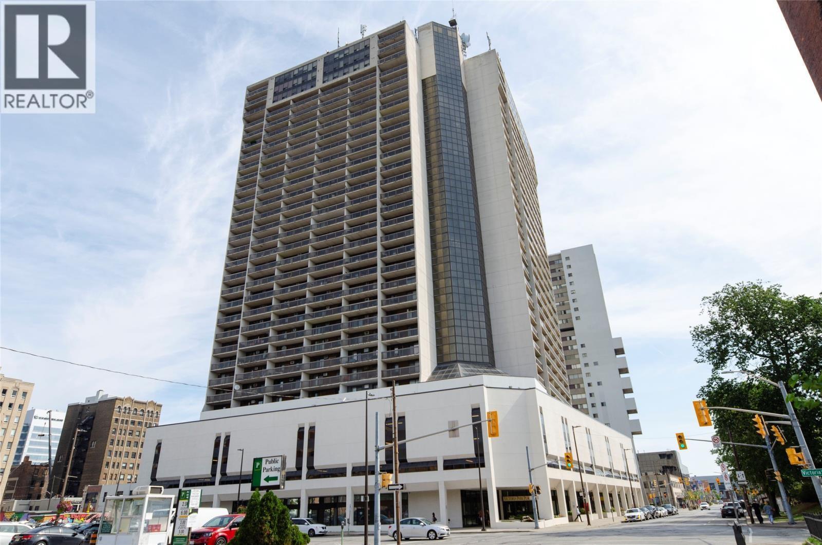 150 Park Street West, Unit 1607, Windsor Condo For Sale!