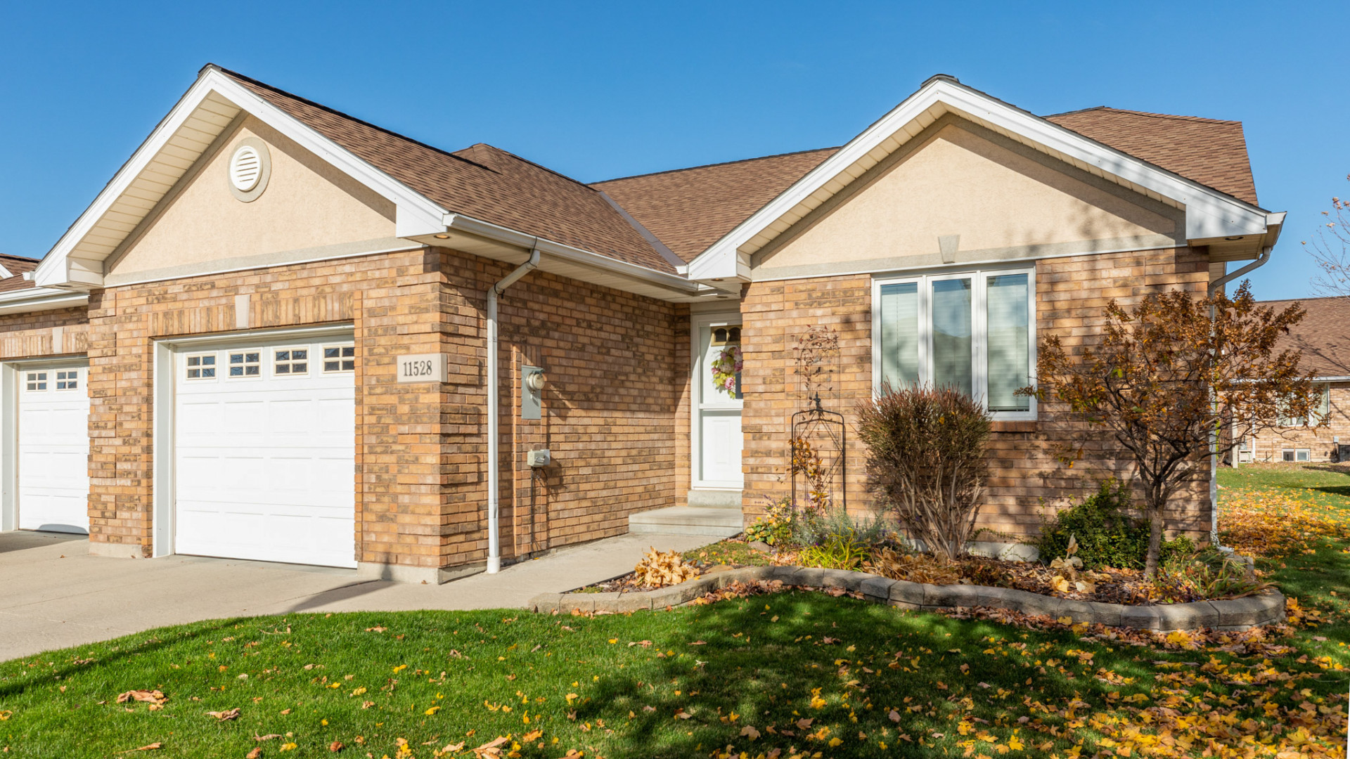 [SOLD] 11528 Firgrove Drive, Windsor – $299,900